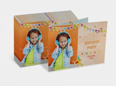 Set of 10 fold-out cards wide